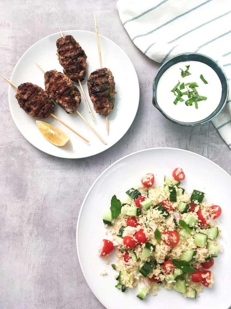 Keftas à la menthe avec salade de couscous