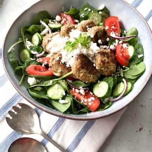 Falafels maison avec salade et tomates